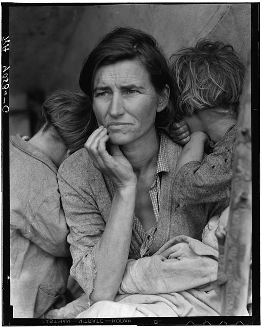 Destitute pea pickers in California. Mother of seven children. Age thirty-two. Nipomo, California. By Dorothea Lang.