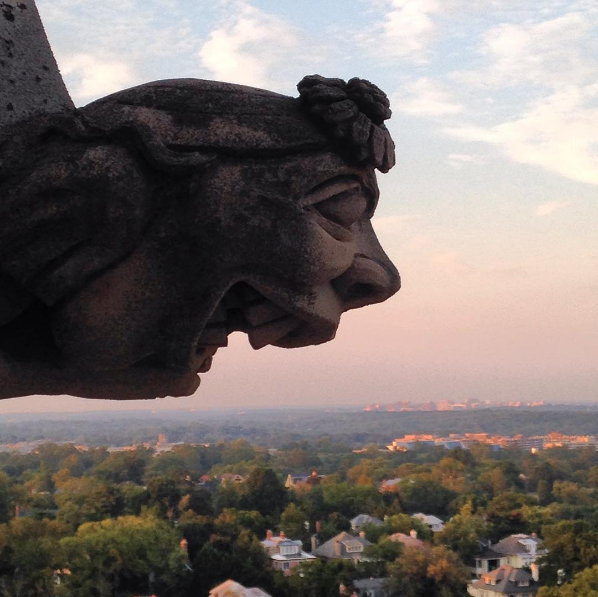 Happy gargoyle by @heatherec